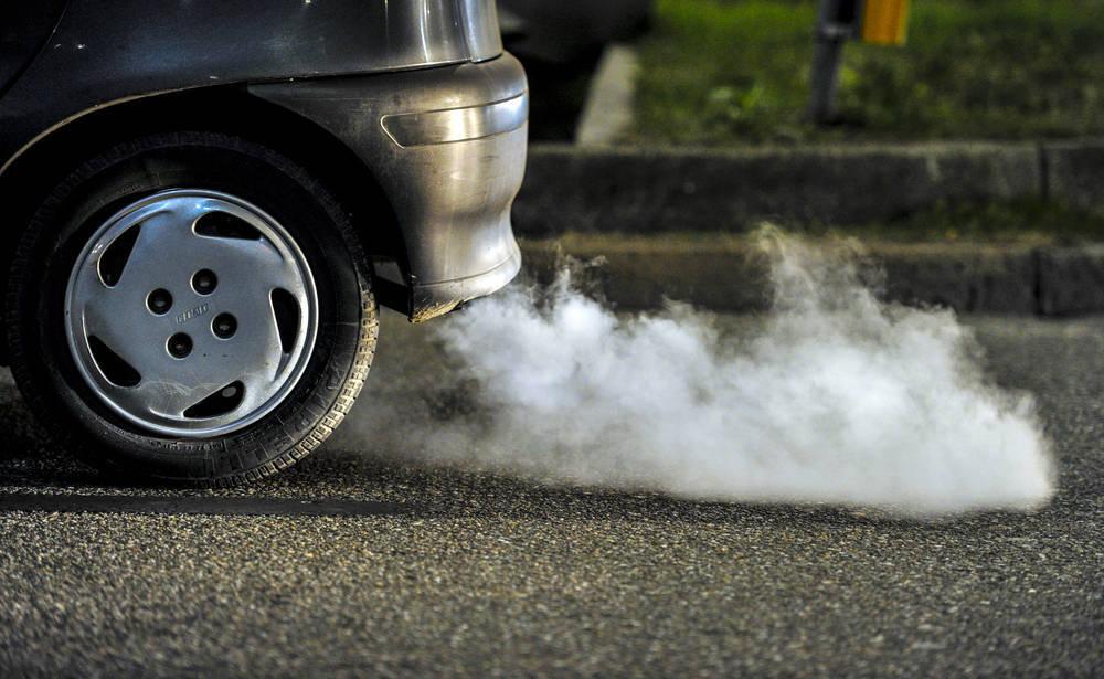 Ten en cuenta las emisiones contaminantes antes de comprar un coche