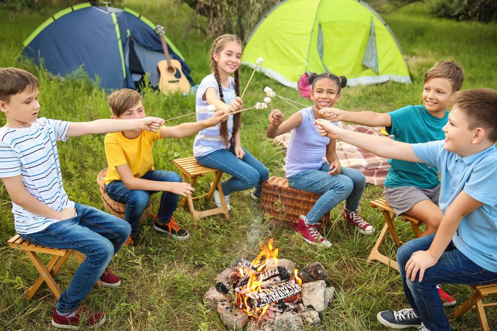 Los niños y los campamentos
